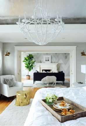 Bright_bedroom_interior_01